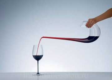 Decanter-Swan-Pouring2
